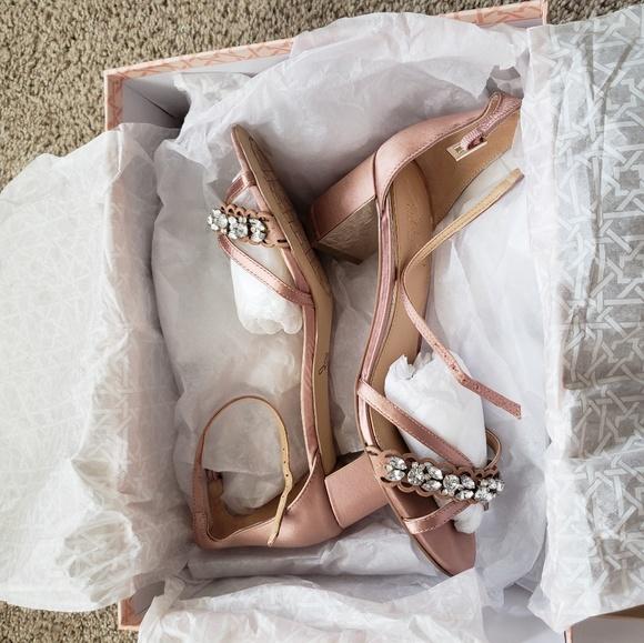 7865a5499b Badgley Mischka Shoes - Badgley Mischka Giona Geeled Sandal